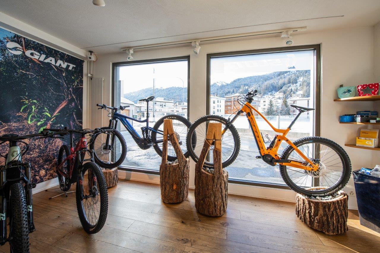 Velo Verkauf Service Reparaturen Zubehoer Metz Davos